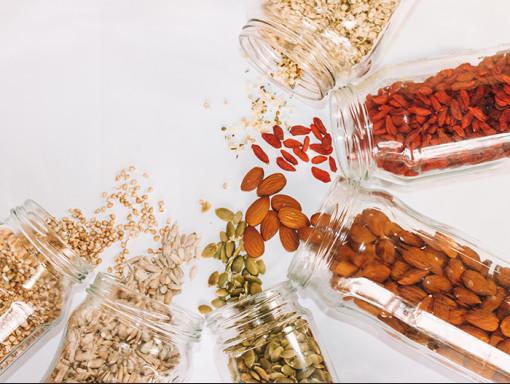 Graines, noix et fruits séchés